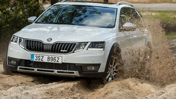 Protection Duty When things start to get rough, it's good to know that you're protected. The ŠKODA Octavia Scout comes with Aluminium underbody protection for the engine, transmission, brake and fuel lines. It defends against flying debris, mud, sand and dust but not the outdoor fun.