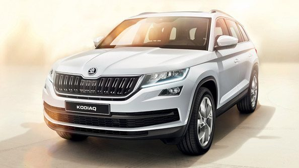 Bold Design The ŠKODA Kodiaq is characterised by its perfect interplay of graceful lines, dynamic curves and robust appearance, making it instantly recognisable. The high headlights and grille exude confidence and leave no one in any doubt that they are witnessing the arrival of the new ŠKODA Kodiaq.