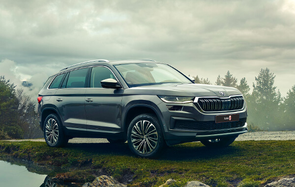 Bold Design The new ŠKODA KODIAQ is characterised by its perfect interplay of graceful lines, dynamic curves and robust appearance, making it instantly recognisable.